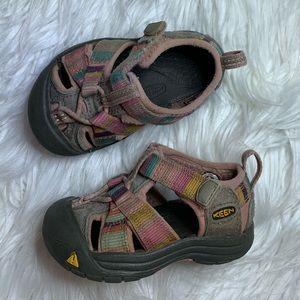Toddler keen pink gray Newport sandals outdoor 4